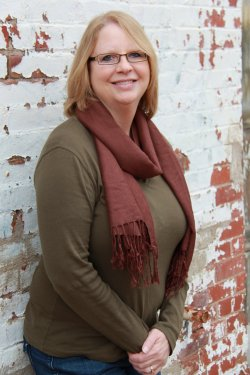 She reads everything from Tawna Fenske to Stephen King, and usually has at  least two ...